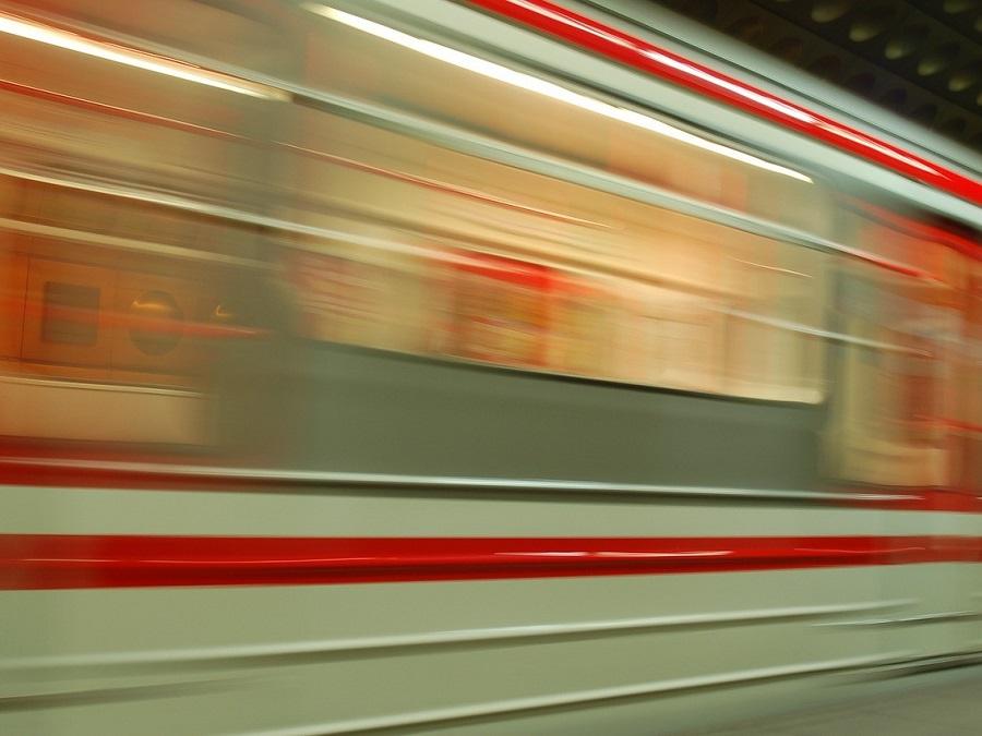 train-345072_960_720