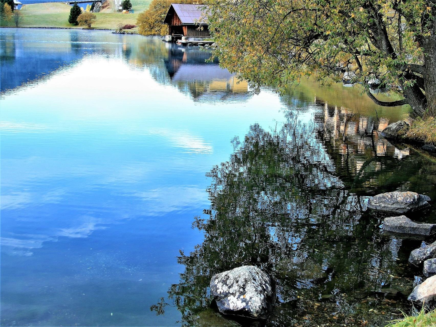 pixabay-davos-lake-2842598_1920