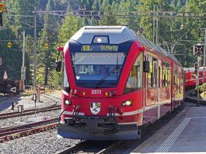 Regionalbahn nach St. Moritz