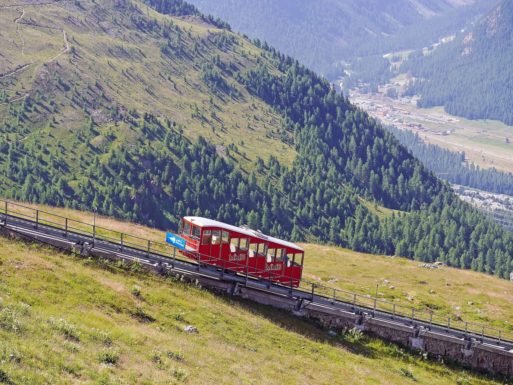 pixabay funicular-railway-1611996_resized 1858