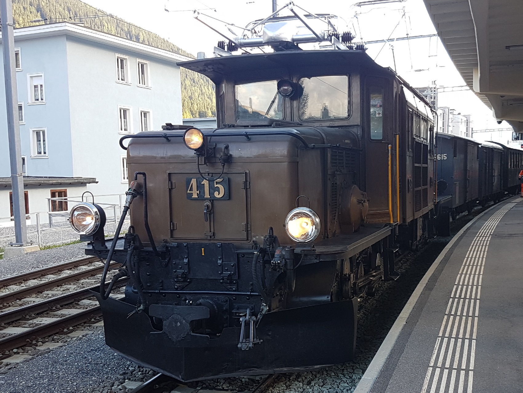 Historischer Zug - Krokodil Lokomotive WCiliox