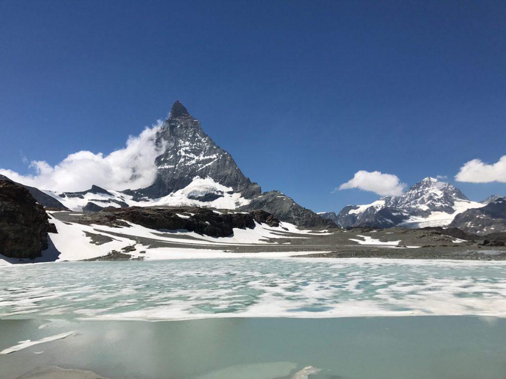 Matterhorn Blick über den Gletschersee