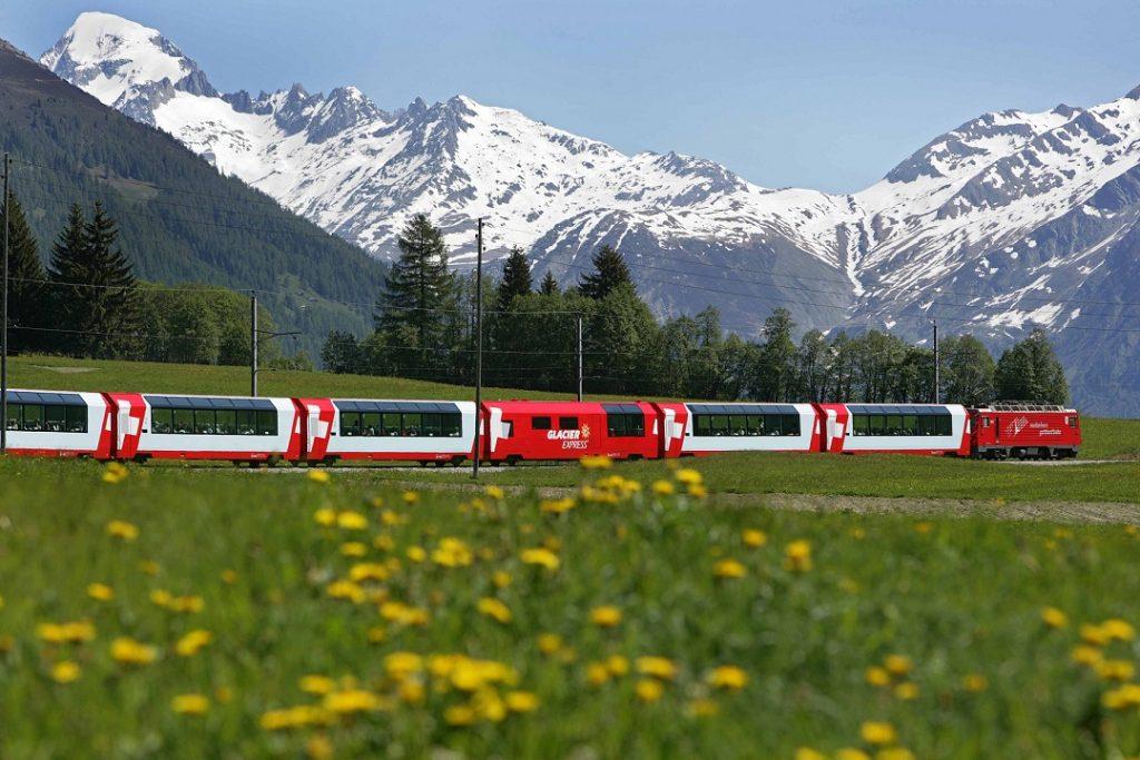 Glacier Express bei Goms