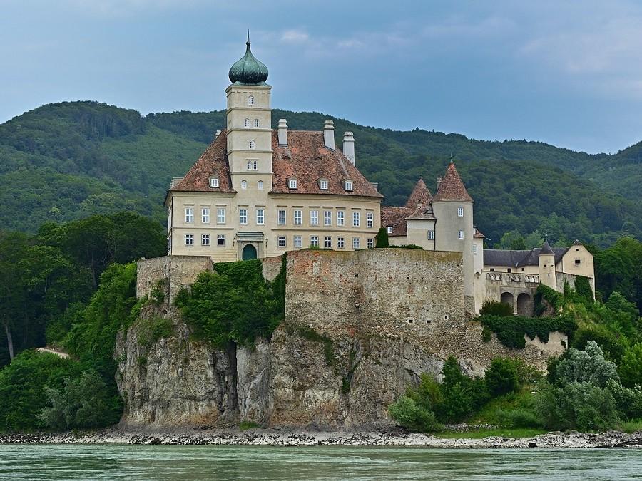 Wachau Bauwerke Schloss Schönbühel an der Donau