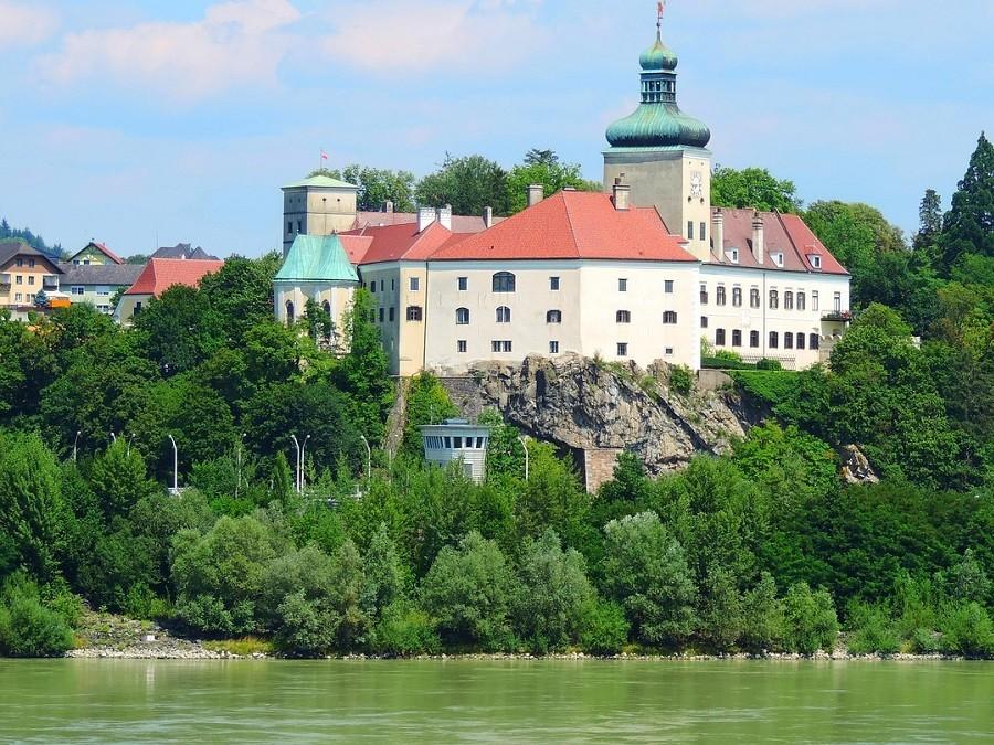 Wachau Bauwerke Schloss Persenbeug