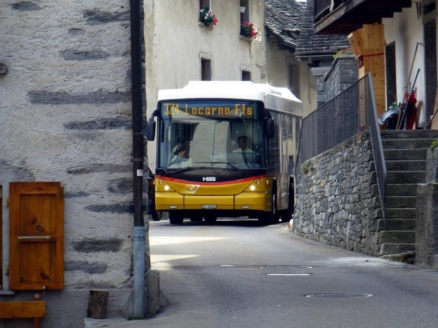 Postbus nach Locarno Tessin